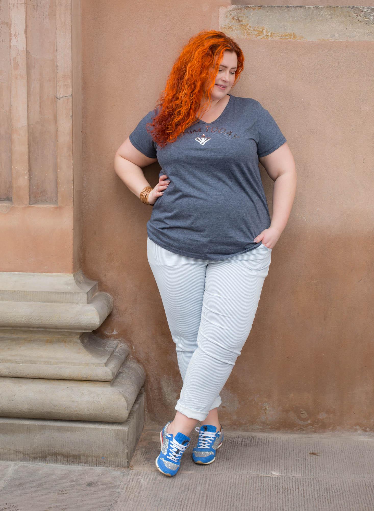 mørke piger fed kvinde